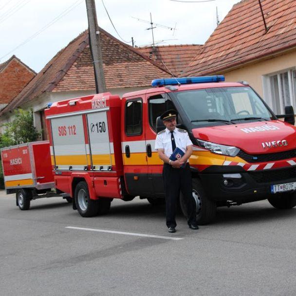 Odovzdávanie nového hasičského auta, september 2015